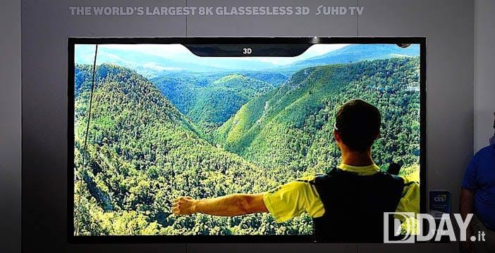 Il 3D con gli occhiali è morto. Samsung riaccende il sogno di quello senza