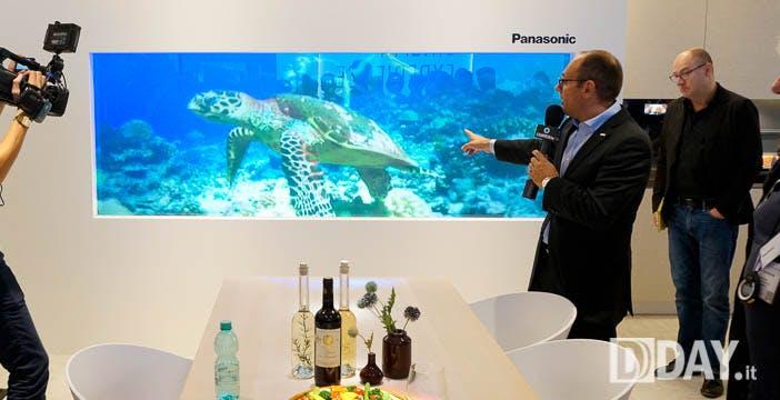 La finestra gigante che diventa un TV: Panasonic fa sognare a IFA 2015