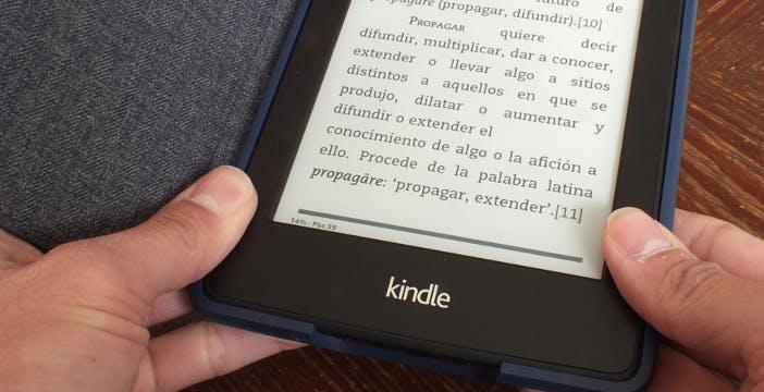 Il prossimo Kindle sarà ultra sottile e con power bank nella custodia