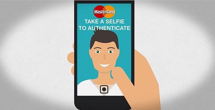 Password addio, online si paga col selfie