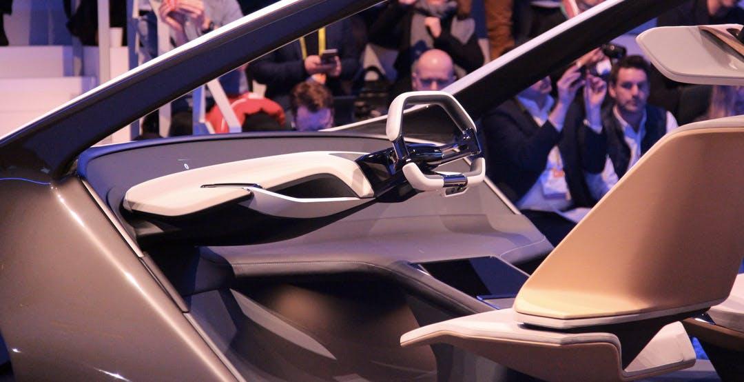 Inside Future è la BMWi del futuro. Praticamente un salotto su quattro ruote