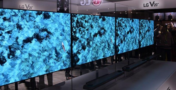 LG W7, per il TV poster servono 7999 euro. Il nostro video