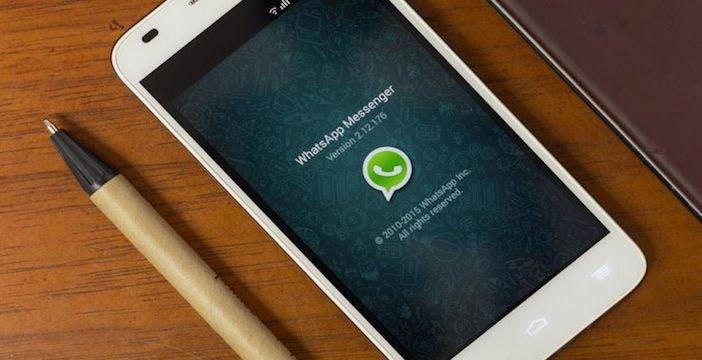 Whatsapp a scuola di business: adesso arrivano i profitti