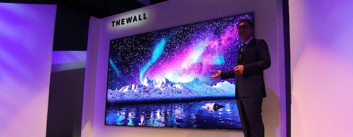Samsung anticipa la TV del futuro: MicroLED, 8K e Bixby