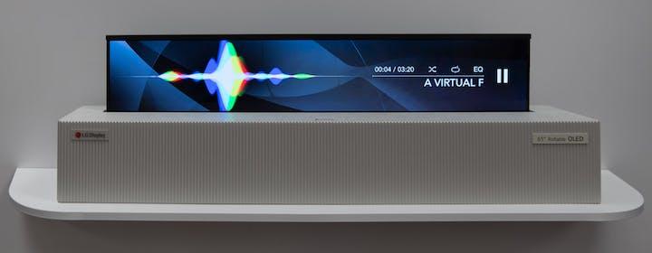 """L'OLED 65"""" arrotolabile è un sogno: l'abbiamo visto in funzione (video)"""