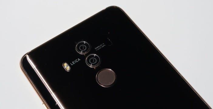 Huawei Mate 20 Pro, lo schermo flessibile è l'arma contro iPhone X Plus e Galaxy Note 9