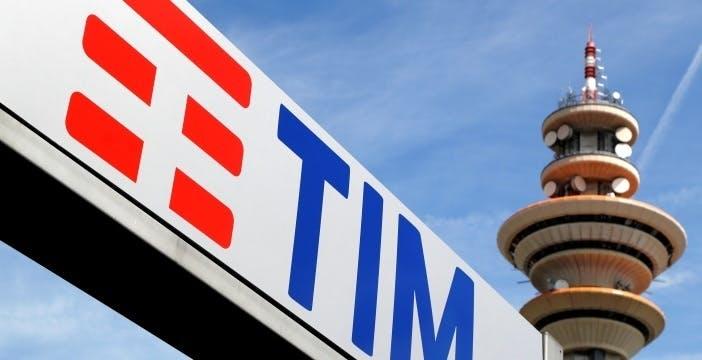 """TIM, stop alla pubblicità dei """"Giga Illimitati"""" dopo la denuncia di Vodafone"""