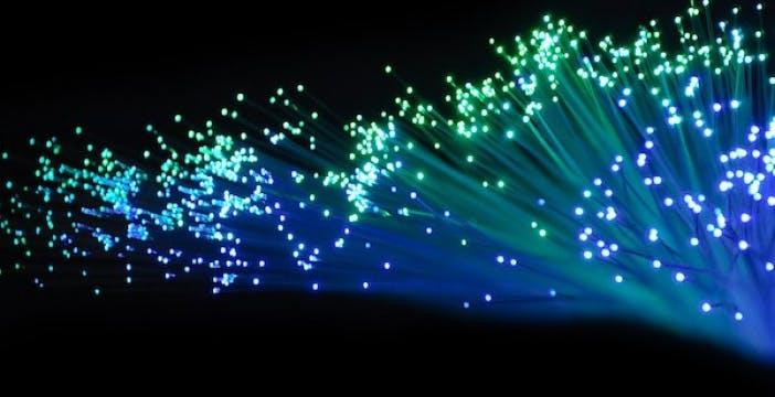 Open Fiber, a Milano un test ha spinto la fibra ottica a 10 Gbps