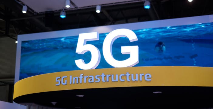 UE: no al divieto per Huawei, ma chiede ai Paesi più attenzione sulla sicurezza
