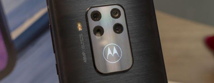 Motorola One Zoom in anteprima: quattro fotocamere a 429 euro