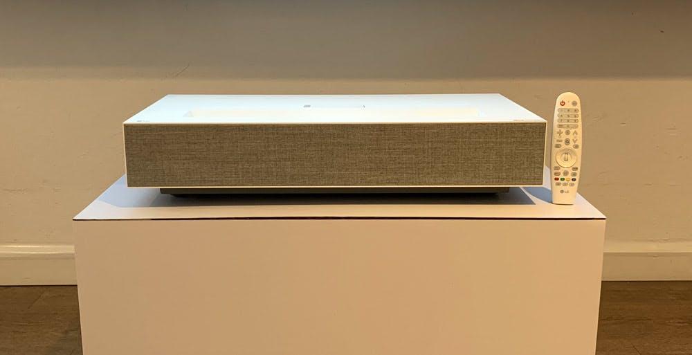 Il proiettore laser 4K di LG ha WebOS e AirPlay a bordo. Video anteprima
