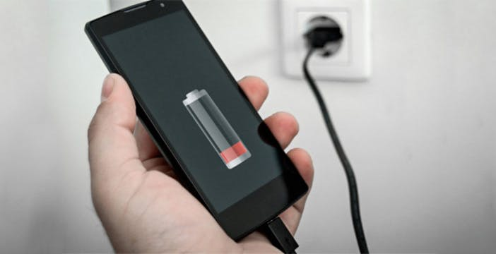 La super ricarica Xiaomi da 100 W: bastano 17 minuti per ricaricare una batteria da 4.000 mAh