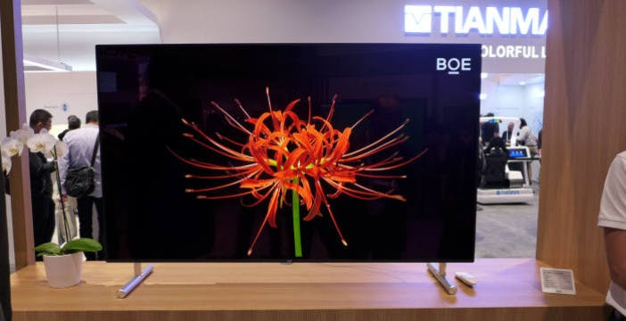 BOE ha mostrato il primo pannello 8K OLED creato con la tecnologia a getto d'inchiostro