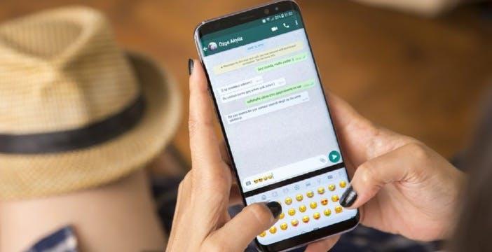 Messaggi di WhatsApp cancellati automaticamente? Sì, ma solo nei gruppi