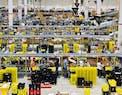 """Amazon, ritardi nelle consegne per sciopero alla logistica. La risposta di Amazon: """"Benessere dei dipendenti al primo posto"""""""