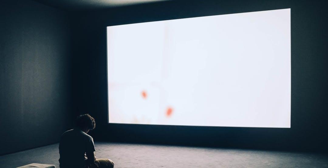 Il mercato dei videoproiettori vittima del coronavirus. Domanda in calo del 70%