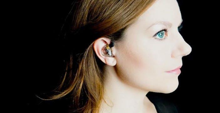 Auricolari su misura a 99 euro. E la scansione dell'orecchio si fa con FaceID