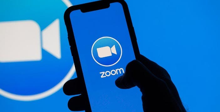 Zoom, in arrivo l'aggiornamento che metterà fine allo zoombombing