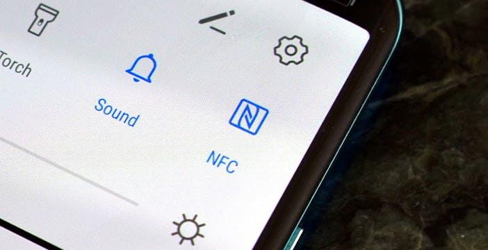 Ricaricare smartwatch e auricolari tramite NFC? Da oggi potrebbe diventare realtà
