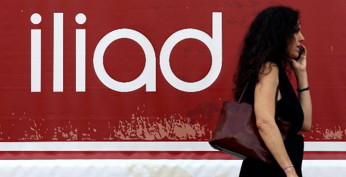 Iliad sale a 5,8 milioni di utenti. Ora copre il 7% del mercato