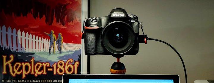 Come trasformare una fotocamera in webcam su PC o Mac usando solo il cavo USB