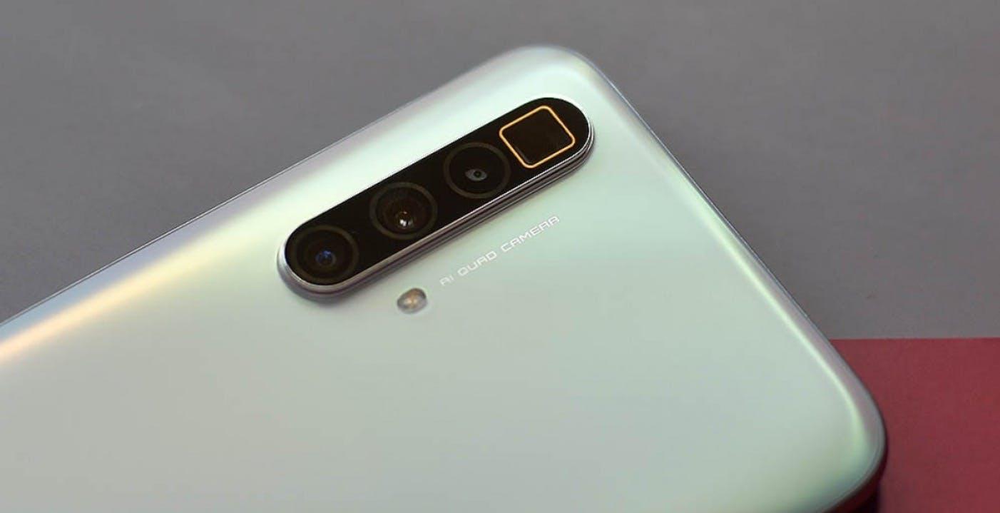 Realme X3 SuperZoom, svelate le specifiche: quattro fotocamere e schermo a 120 Hz