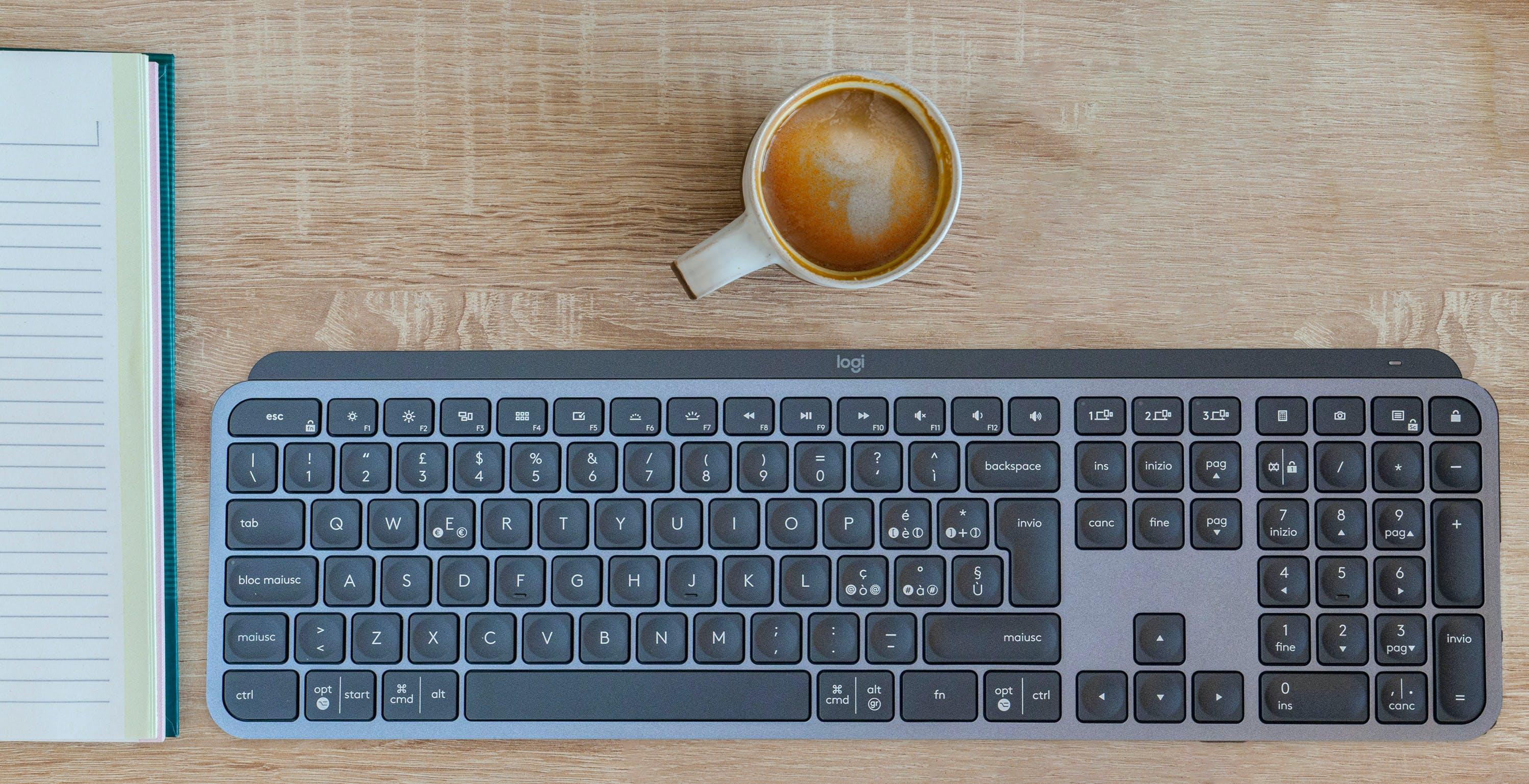 Tastiera Logitech MX Keys, recensione. Una buona tastiera con qualche difetto