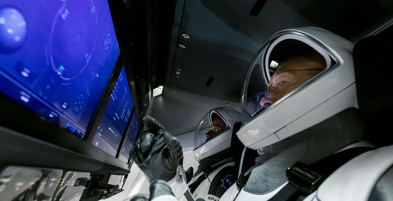 Tutto pronto per il primo volo con astronauti di SpaceX: Crew ...