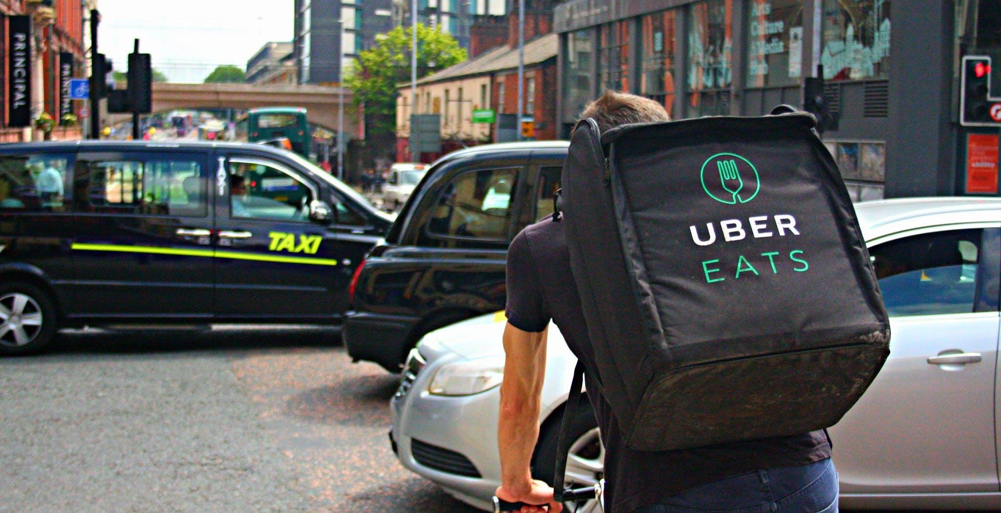 Caporalato sui rider: commissariata Uber Italy dal Tribunale di Milano