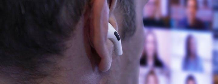 Ecco perché non devi usare il Bluetooth per le tue call (se vuoi bene a chi ti sente)