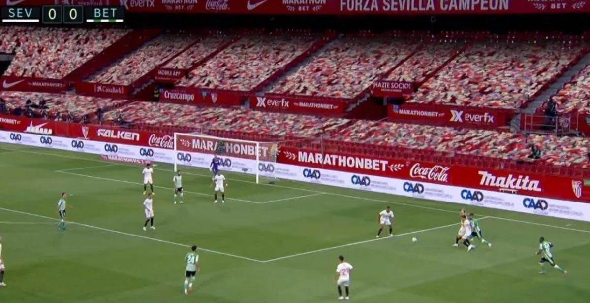 Tifosi finti sugli spalti e audio dal videogioco FIFA. Così il calcio riparte a porte chiuse