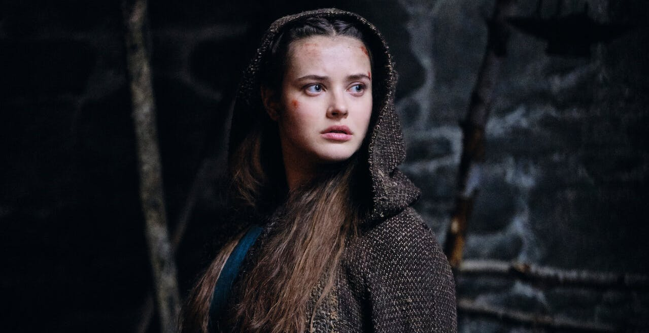 Netflix annuncia Cursed, la serie sulla guerriera Nimue con Katherine Langford