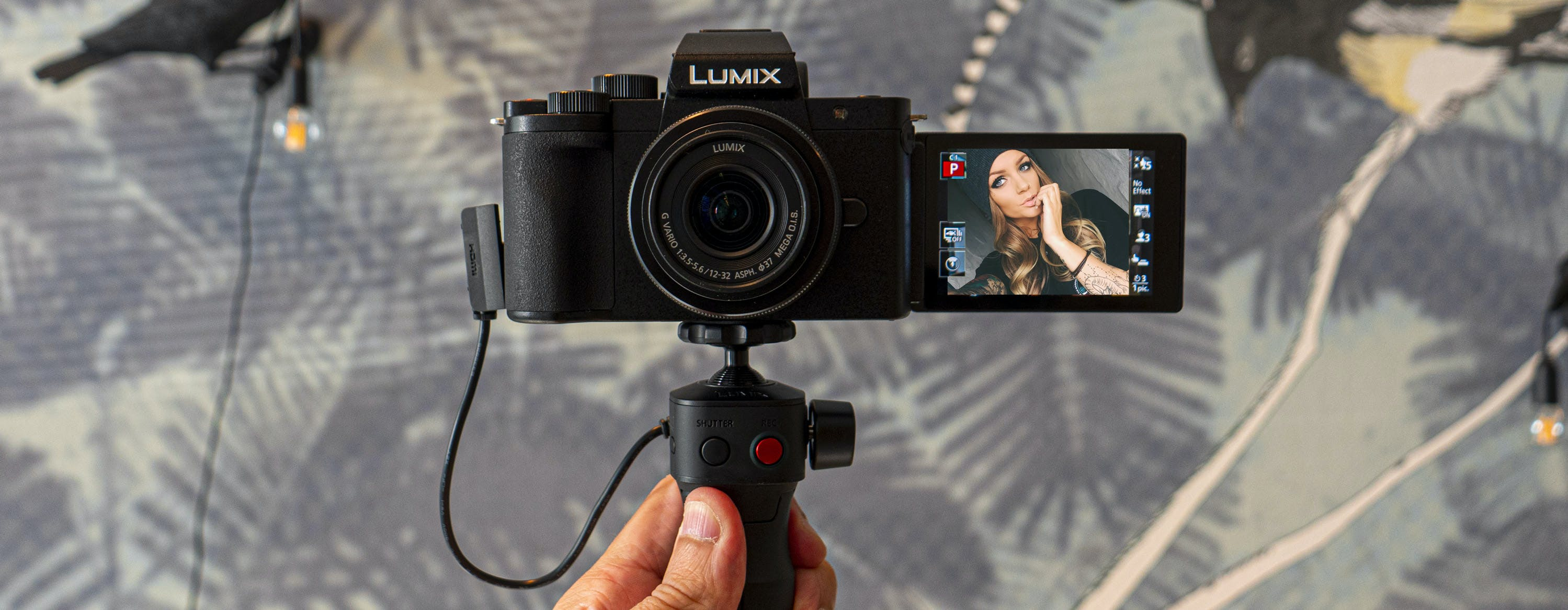 Lumix G100, anteprima. La mirrorless in miniatura nata per Instagram e Youtube