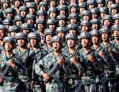 """Il Pentagono: """"Dietro Huawei c'è l'esercito cinese"""". Pronta una lista di 20 aziende cinesi nemiche, si temono nuove sanzioni"""