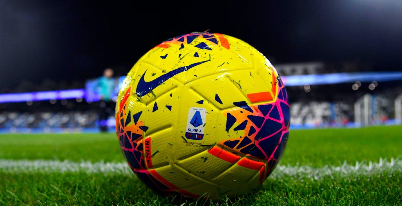 La Lega calcio minaccia Sky. Se non paga stacca il segnale. Gli abbonati non vedrebbero le ultime partite del campionato 1008d7_calcio2