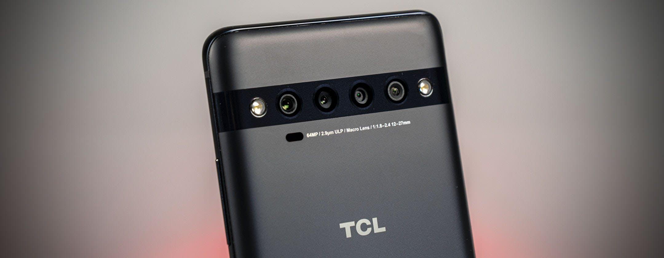 TCL 10 Pro, la recensione. Ottimo display, design curato e prestazioni nella media: ma 499 euro sono troppi