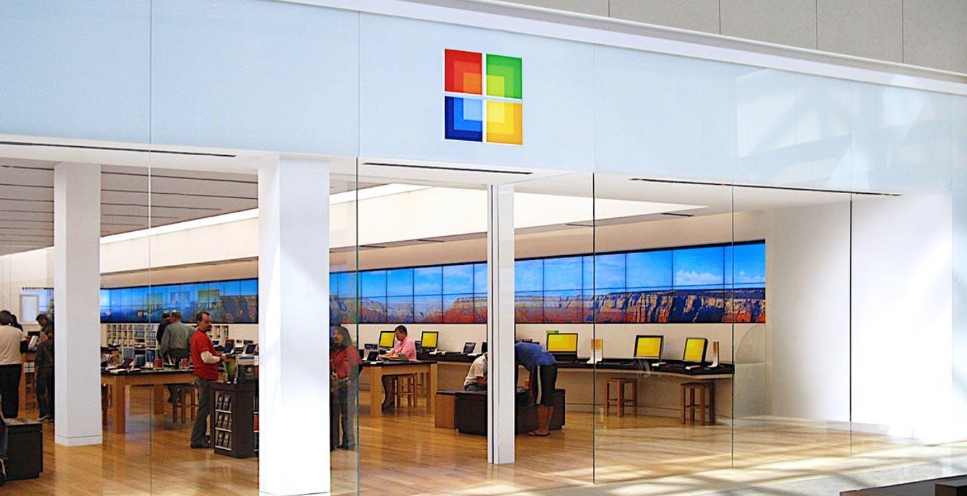 Microsoft chiude tutti i negozi fisici: vendite e assistenza saranno solo online