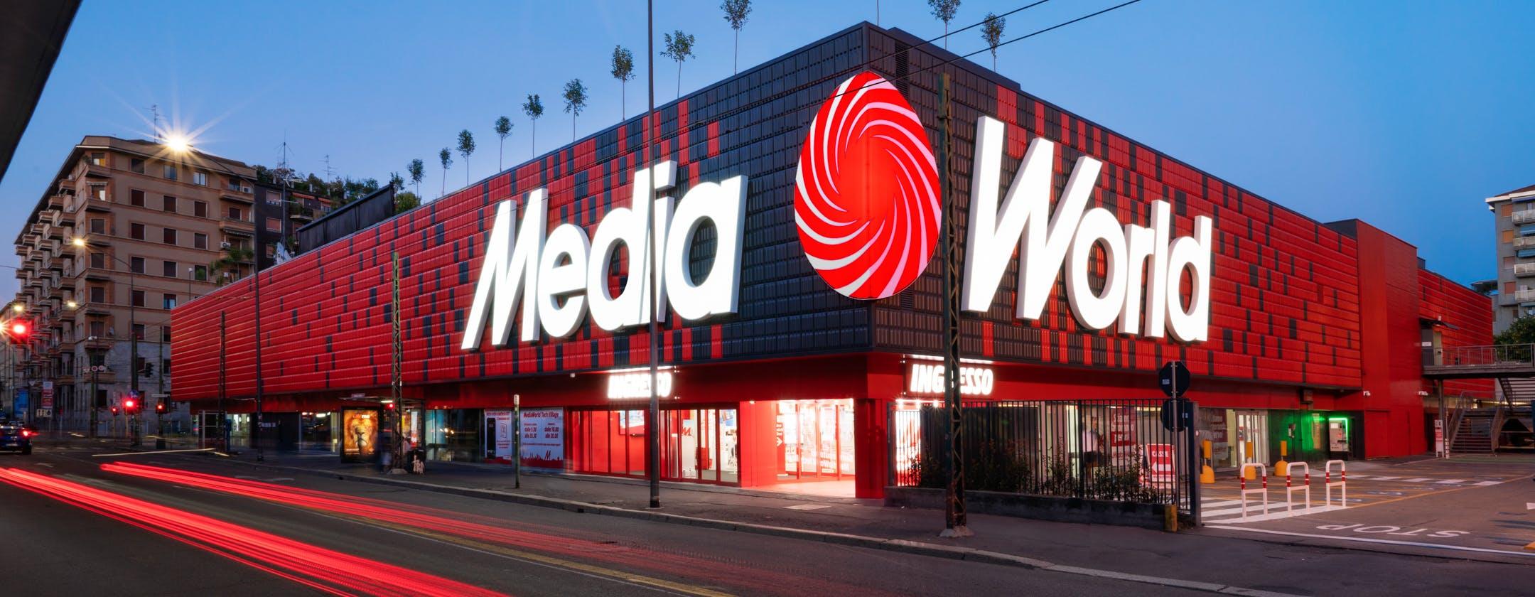 Nasce a Milano MediaWorld Tech Village, il superstore di elettronica più bello con 24 negozi monobrand. La nostra visita virtuale