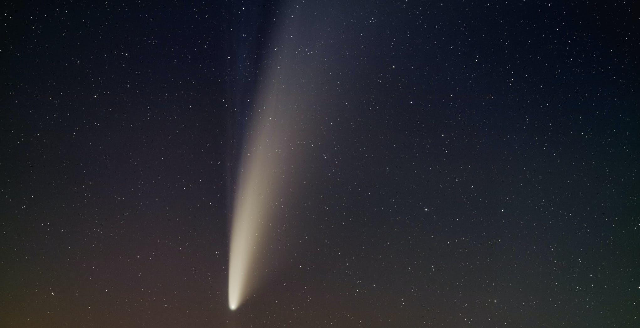 Sono i giorni della cometa NEOWISE: ecco come vederla e fotografarla