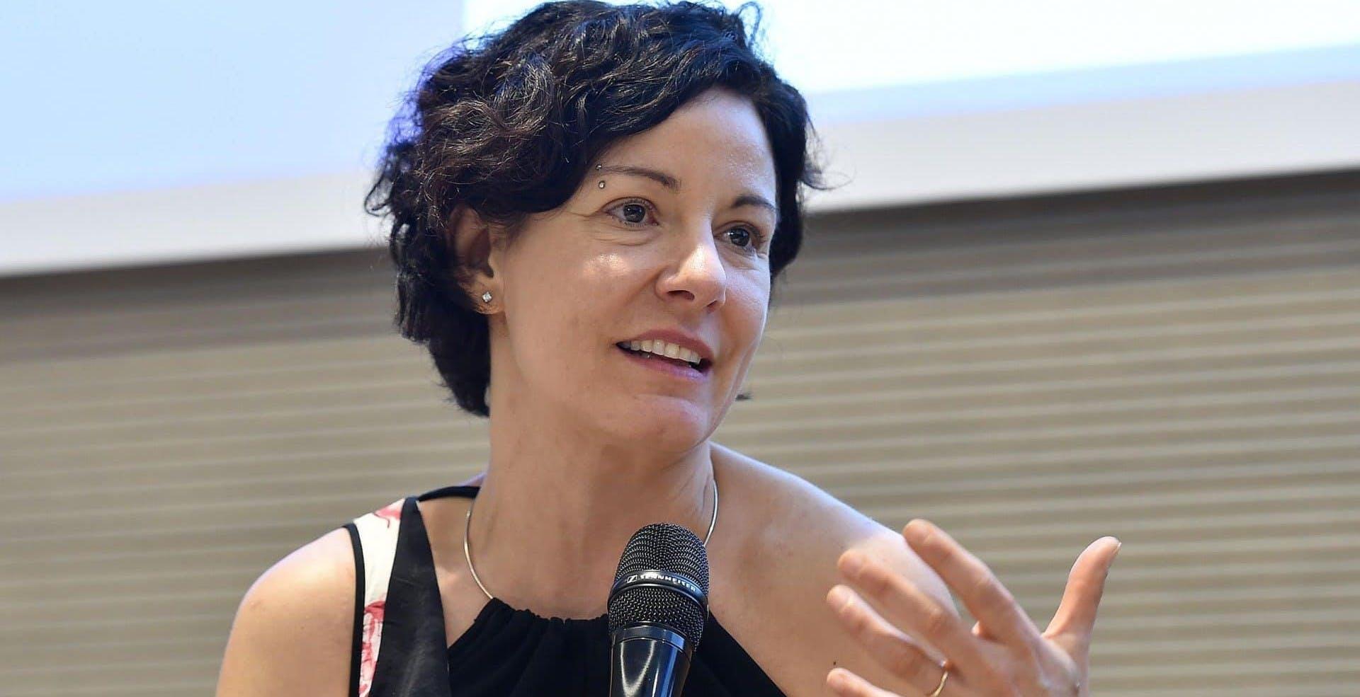 """5G, la spinta della ministra Pisano: """"Dobbiamo passare dalle sperimentazioni alle commercializzazioni"""""""