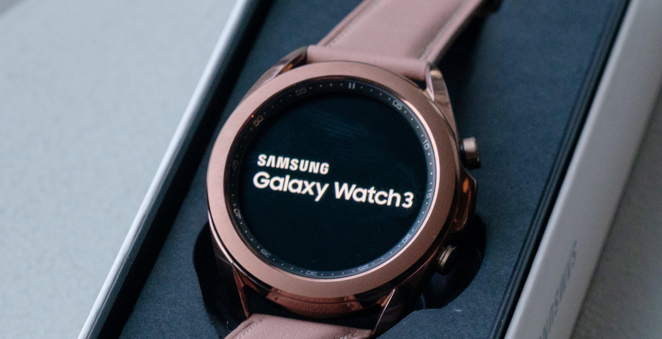 Samsung annuncia Galaxy Watch 3 disponibile anche in titanio. Misurerà anche l'ossigenazione del sangue