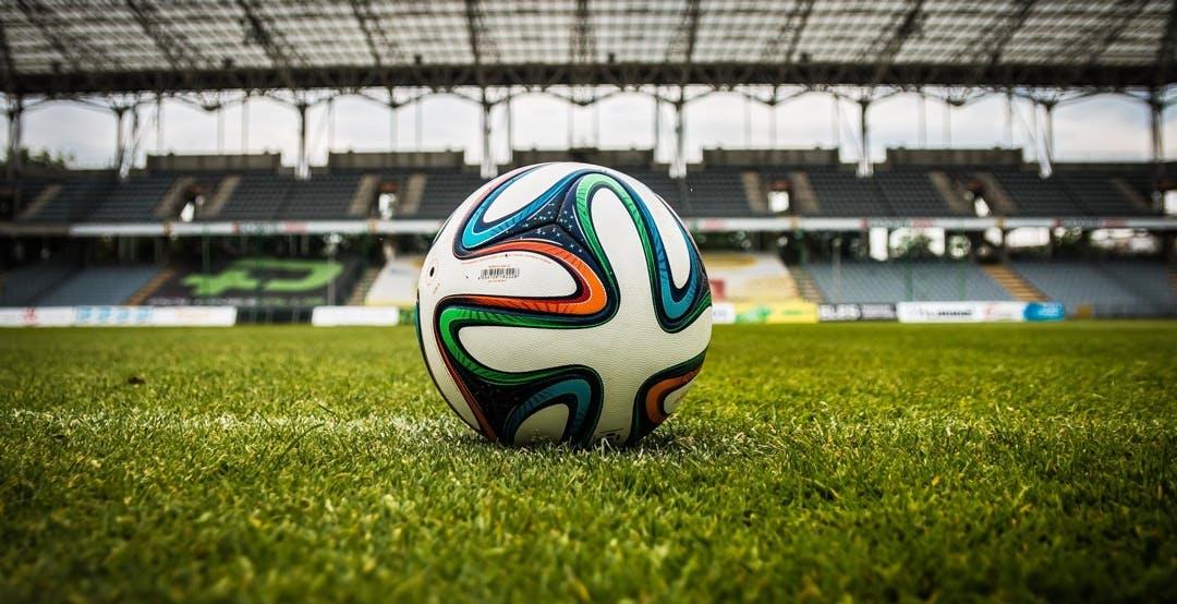 Diritti TV, De Laurentiis spinge: via Sky e DAZN, diritti in mano alla Lega Calcio