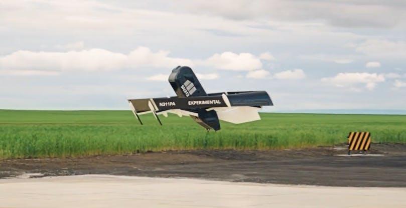 """Amazon ha ricevuto il """"brevetto di volo"""": negli USA potrà consegnare con i droni"""