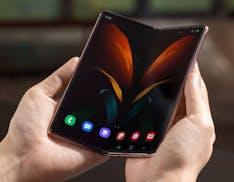 Galaxy Z Fold2 5G ufficiale. Così Samsung migliora il suo pieghevole