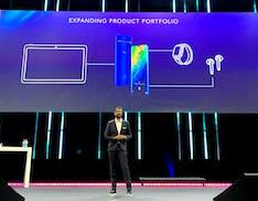 TCL annuncia tablet, cuffie true wireless e smart watch. Ma c'è anche una nuova soundbar Dolby Atmos