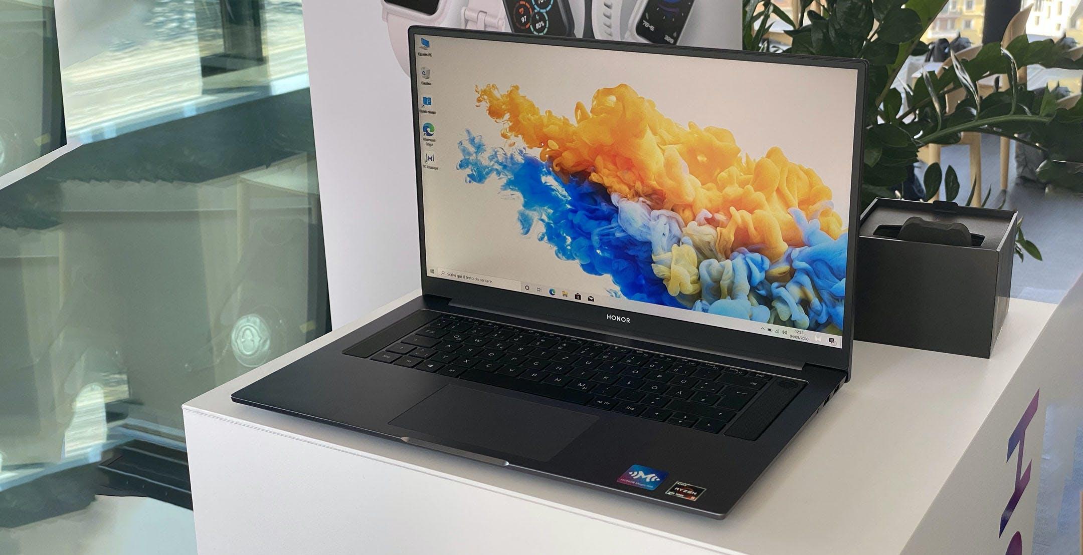 """MagicBook Pro, uno schermo da 16"""" che ingombra come un 15"""" e il velocissimo Ryzen 5 4600H a 899 euro"""