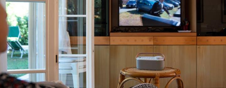 """Lo speaker portatile Sony chiude la bocca ai TV (e ai familiari): mai più urli """"abbassa il volumeeeee"""". La prova sul campo"""