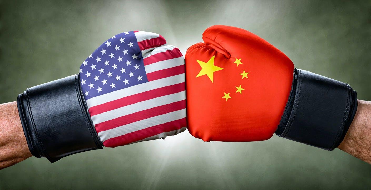 Sanzione dopo sanzione, gli Usa vogliono far fallire Huawei. Vincerà l'arroganza di Trump o la resilienza dei cinesi?