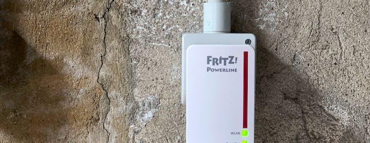 Il wifi non funziona bene? Con Fritz!Powerline abbiamo portato Internet nel box, quattro piani più in basso
