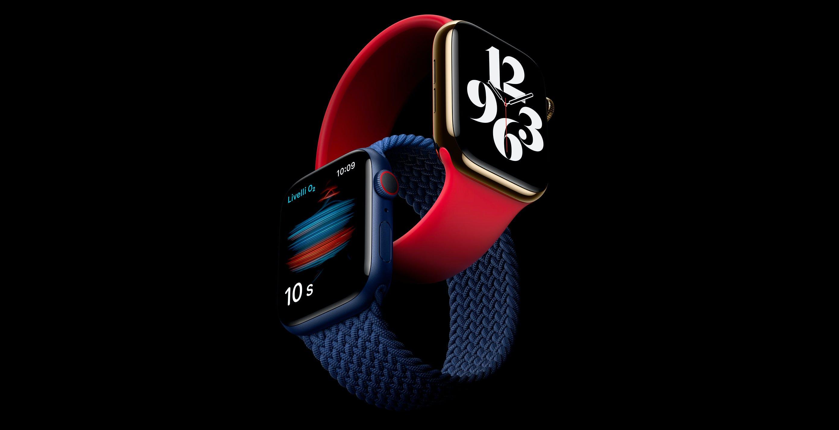 """Apple Watch senza caricatore nella confezione. Apple: """"È come se avessimo tolto 50.000 auto dalle strade"""""""